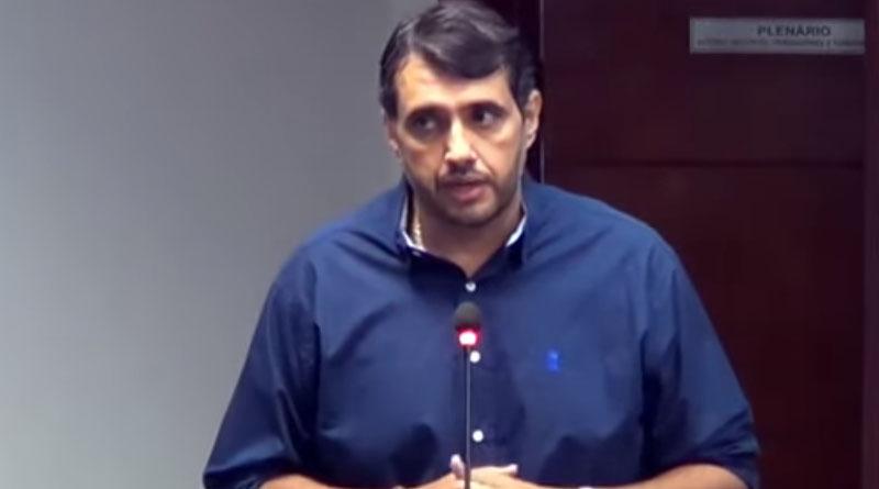 Nas redes sociais ex-prefeito de Sousa André Gadelha sugere que foi traído -  VEJA - Foto: reprodução