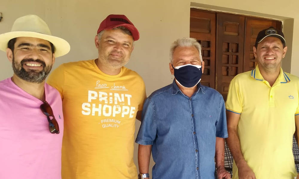 José Aldemir cumpre agenda política e consegue apoios para Drª Paula e candidatos do PP na região de Sousa durante o feriado