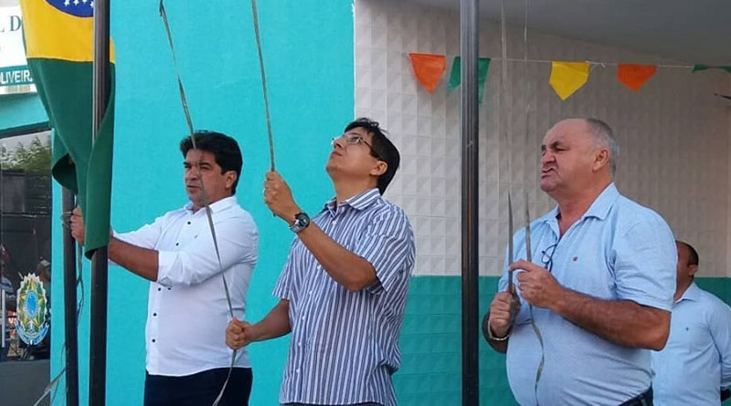 Ausência do prefeito e presença de advogado colocam dúvida de quem será candidato na cidade do Lastro