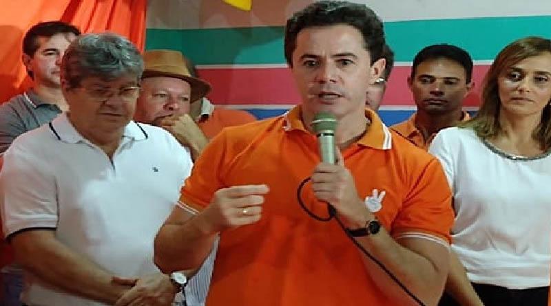 Após episódio envolvendo sua esposa em CG, Veneziano pode optar por romper com governador João Azevedo - ENTENDA - Foto: reprodução